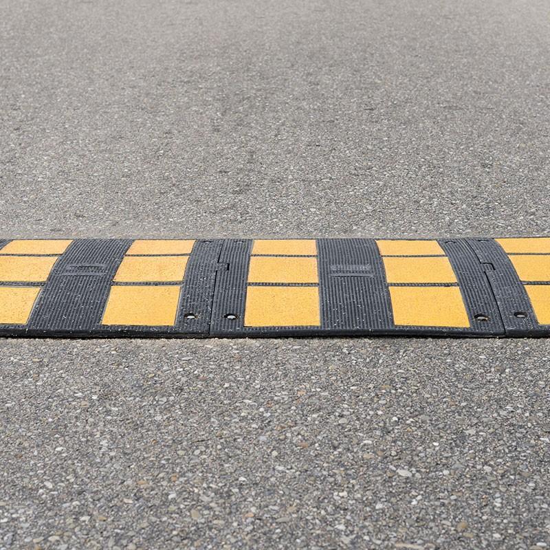 Cheville spéciale asphalte